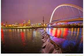 des moines landscapes, iowa landscapes, des moines, river, wells fargo arena, bridge, walking bridge, iowa, zts photo, des moines landscape photographer, commercial, iowa, river, long exposure, 5D mark III, fisheye, 15mm, sarah brewbaker, tanner urich