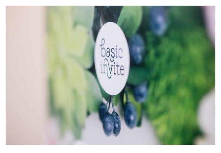Basic Invite | Wedding Invitations Review